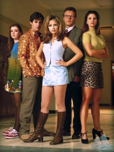 http://babs886.files.wordpress.com/2009/01/buffy-cast-season-11.jpg
